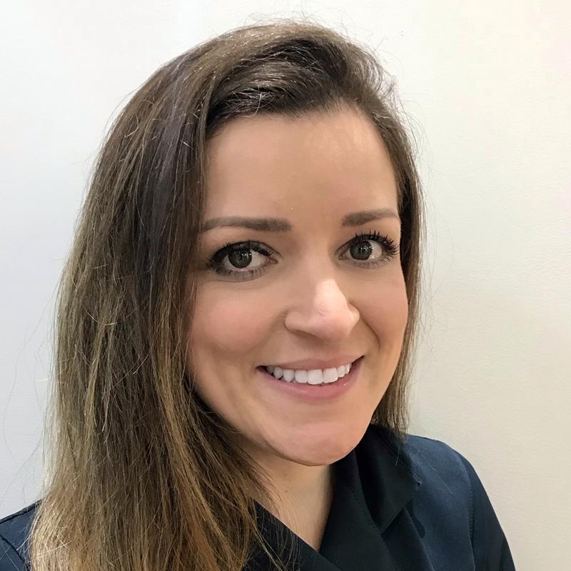 Dra. Carla Pedroseelli